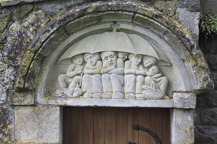 Notre-Dame-du-Nid, tympan du portail